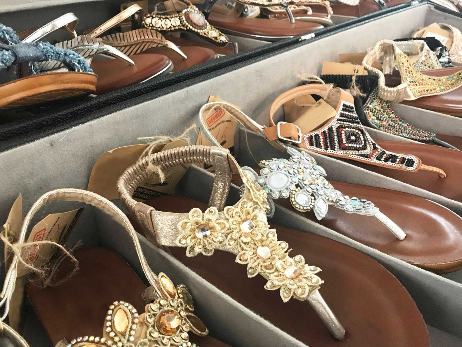 Neues Terrain: schuhplus produziert eigene Schuhkollektion in Übergröße