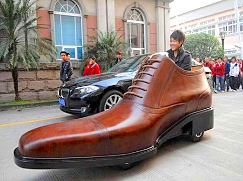 reputable site 0f551 d3e8b Witzige Schuhe bei schuhplus: Das Schuh-Auto oder der ...