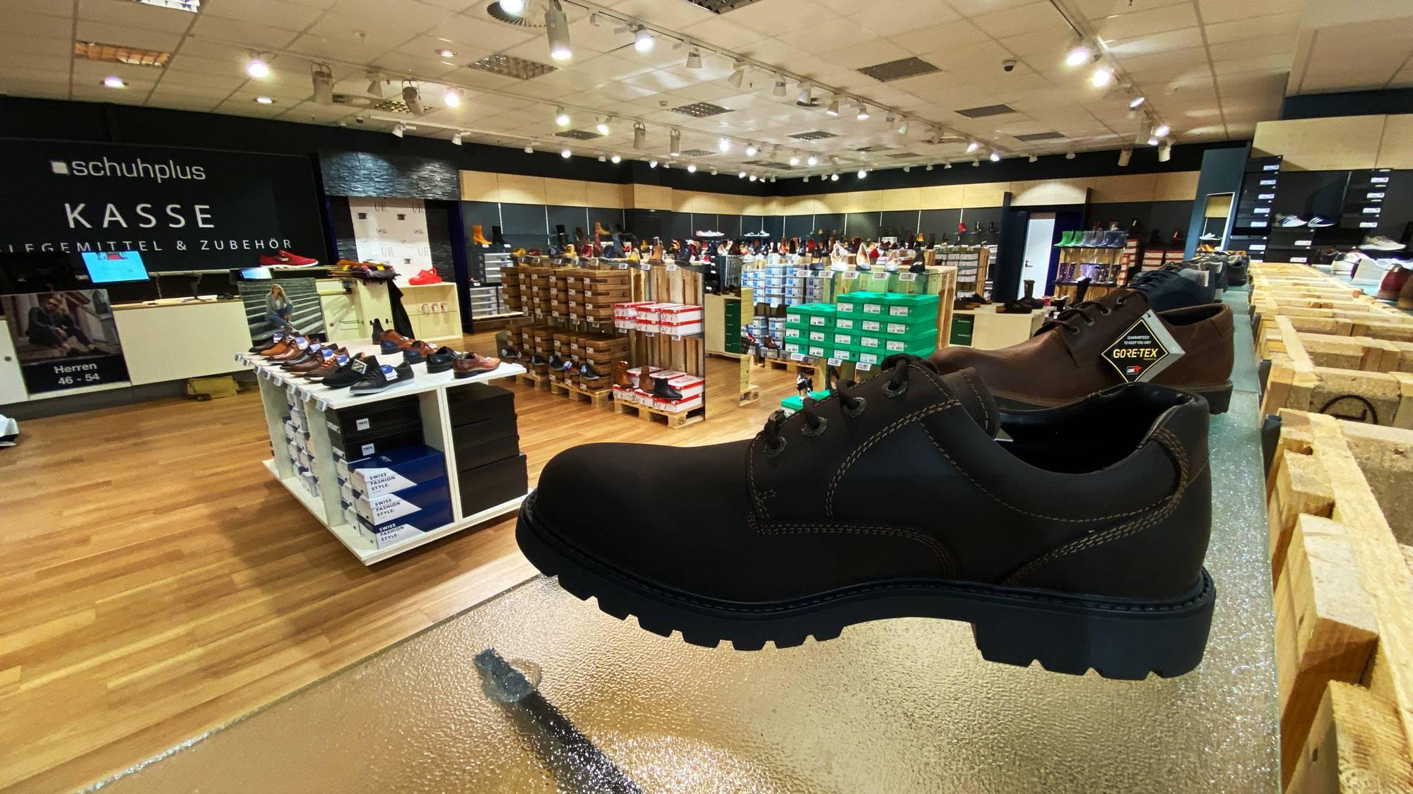 250 qm Fachgeschäft für Schuhe in Übergrößen in Hamburg